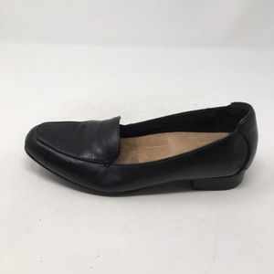 CLARKS BLACK LOAFERS 9.5